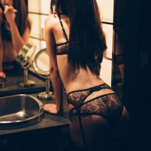 GFE London escort in black lace lingerie and stockings
